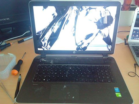 HP Pavilion 17-f086nf Screen Replacement | HP Pavilion 17-f086nf Notebook Screen Repair